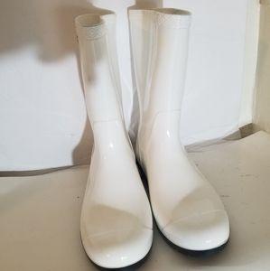 Ugg rain boots size 6